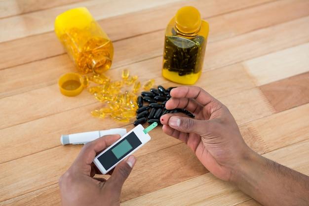 Equipaggia il test della glicemia con il glucometro