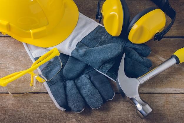 Equipaggiamento di sicurezza standard di costruzione