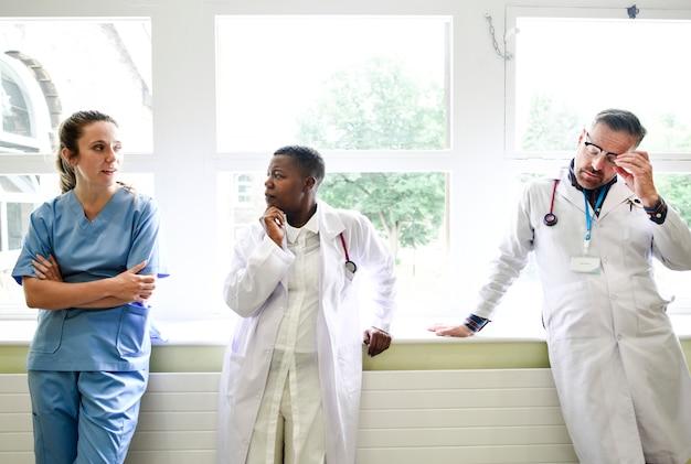 Equipe medica di prendere una pausa