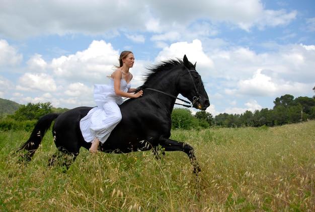 Equitazione donna matrimonio