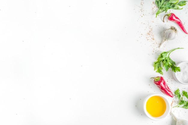 Erba e spezie che cucinano fondo