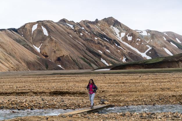 Escursione del viaggiatore a landmannalaugar islanda highland