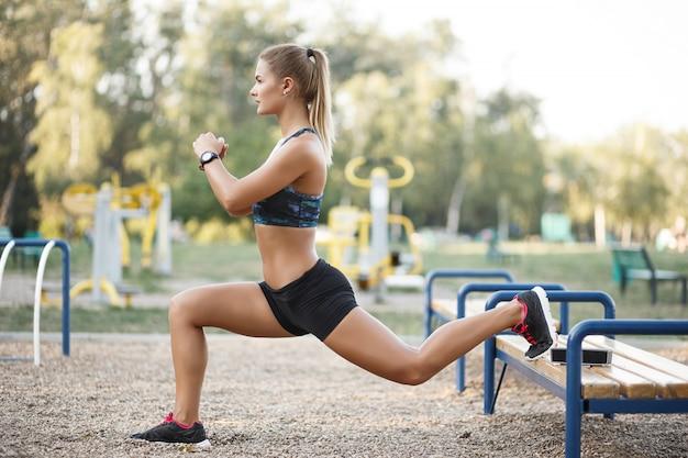 Esercizio di allenamento all'aperto