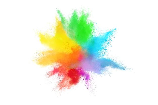 Esplosione di polvere colorata su sfondo bianco.