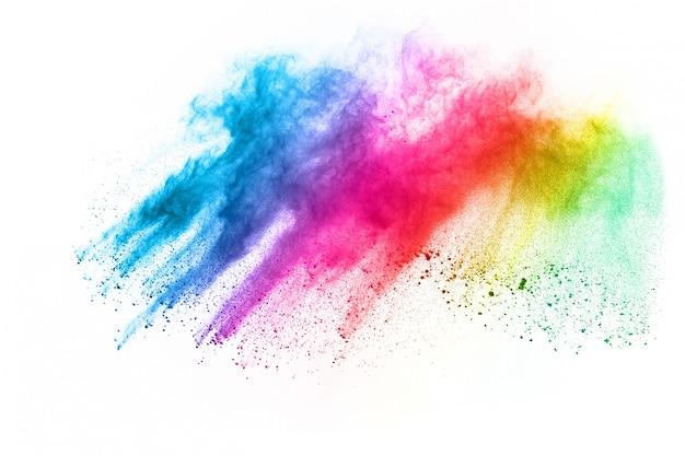 Esplosione di polvere multicolore su sfondo bianco.
