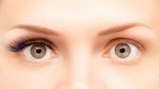 Estensioni delle ciglia di colore blu prima e dopo