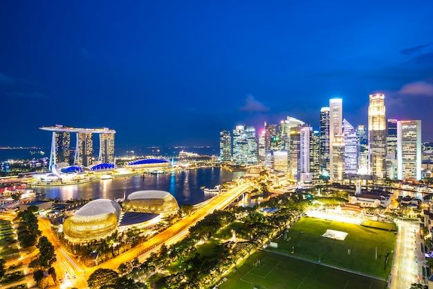 Esterno di costruzione di bella architettura della città di singapore