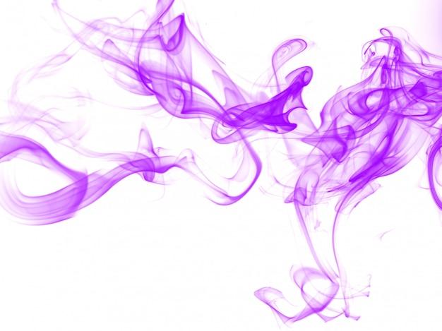 Estratto di fumo viola su sfondo bianco