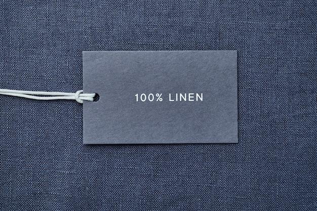 Etichetta con composizione del tessuto sul panno. 100% lino