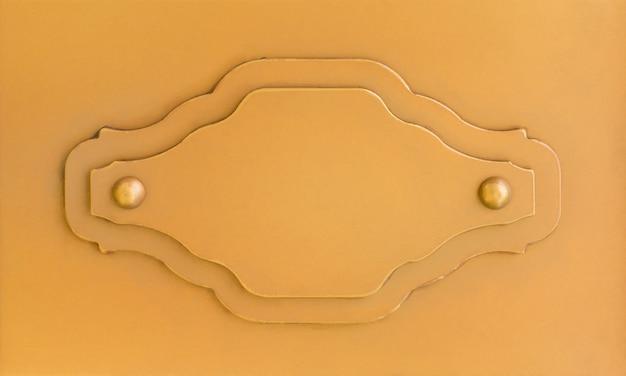 Etichetta di segno di metallo arancione vuoto per mock up