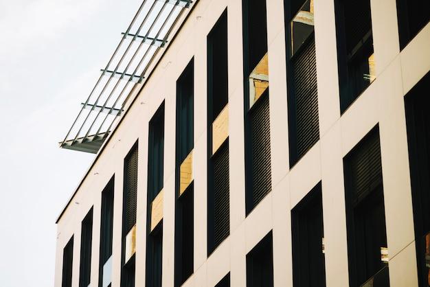 Facciata del nuovo edificio moderno
