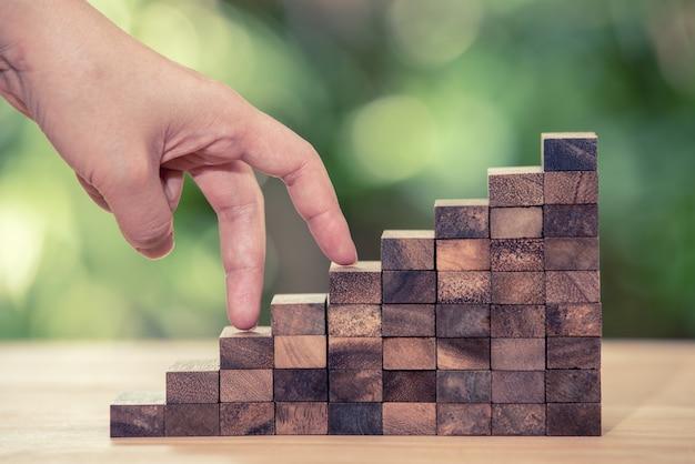 Fai i prossimi passi verso i tuoi obiettivi. concetto di sviluppo aziendale