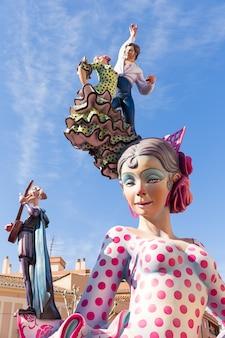 Fallas di valencia in denia figure popolari fest