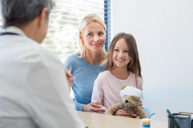 Famiglia al pediatra