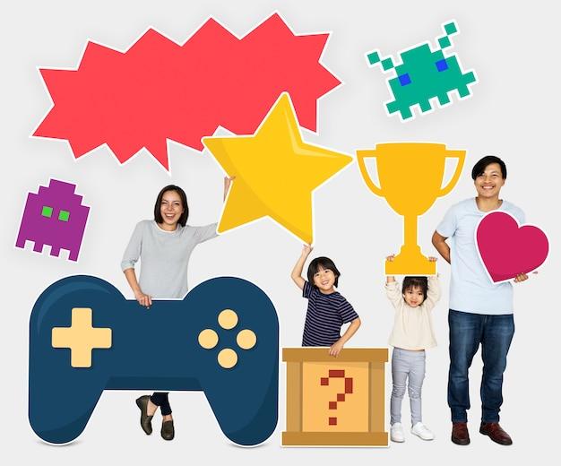 Famiglia che vince una sfida di videogiochi