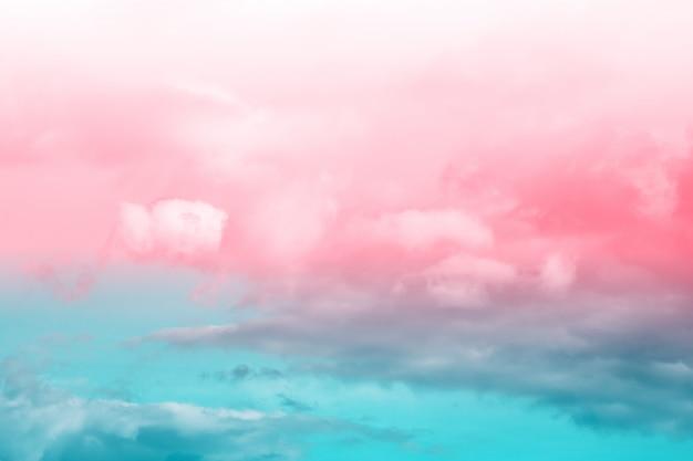Fantasia e nuvola e cielo dinamici d'annata con struttura di lerciume