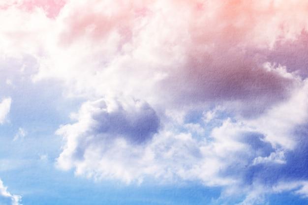 Fantasia e vintage nuvola dinamica e cielo con texture grunge per sfondo astratto