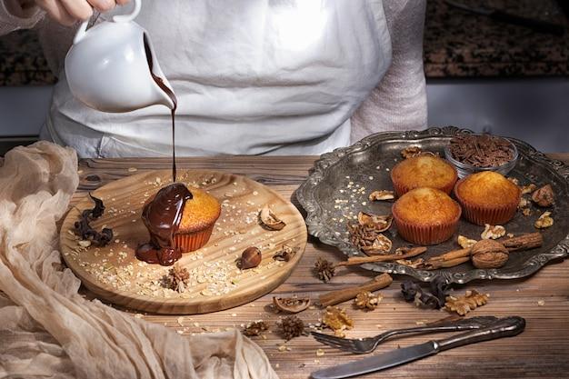 Fare muffin e cioccolato