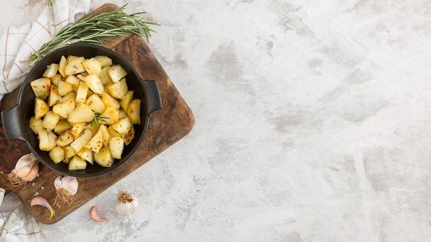 Farina di patate con copia-spazio
