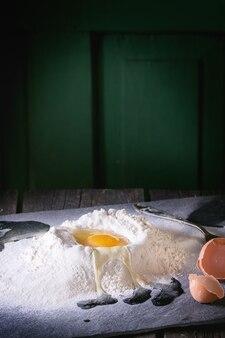 Farina e uova