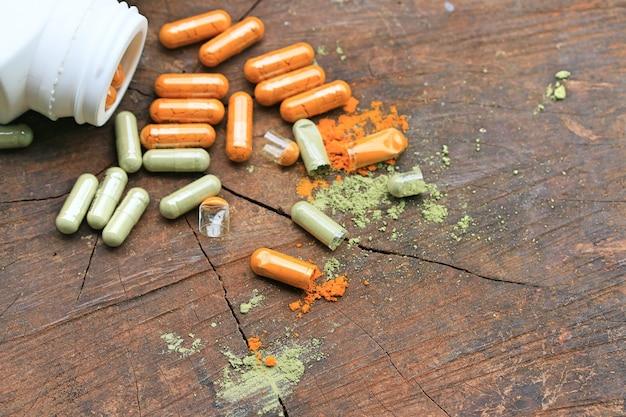 Farmaci a base di erbe in capsula