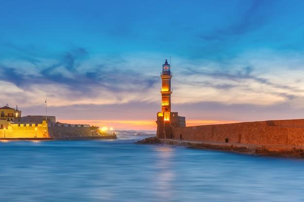 Faro al tramonto, chania, creta, grecia