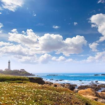 Faro del punto del piccione della california in cabrillo hwy costiero hwy 1