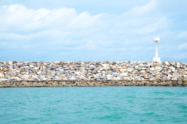 Faro delle zone costiere.