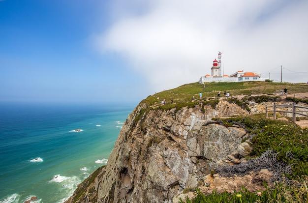 Faro di cabo do roca, portogallo, punto più occidentale dell'europa continentale