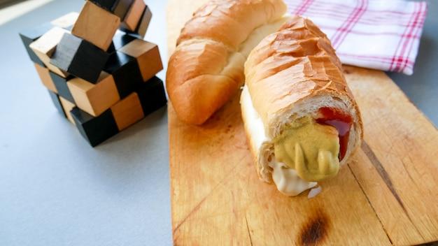 Fast food su un tavolo del ristorante