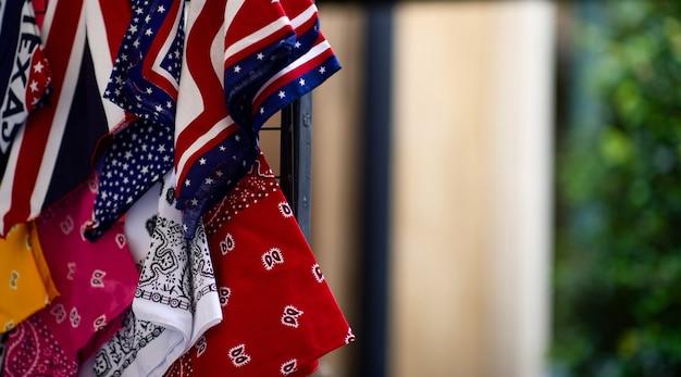Fazzoletto e bandiere degli stati uniti