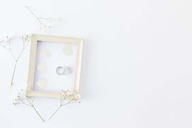 Fedi nuziali con ornamenti