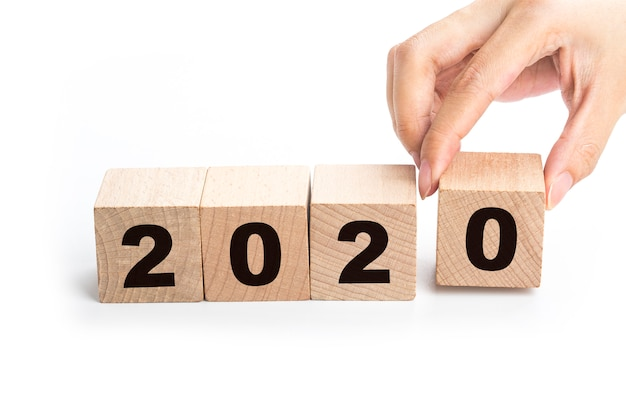 Felice anno nuovo 2020, numero su blocchi di legno