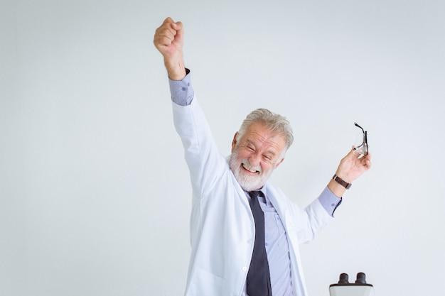 Felice successo professore scienziato per risolvere nel problema della ricerca scientifica