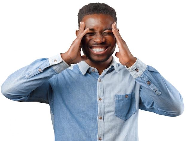 Felice uomo afroamericano, sorridente