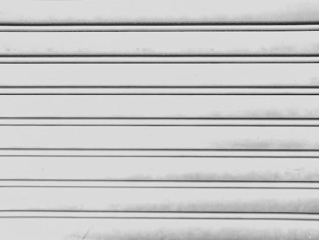 Ferro zincato, sfondo
