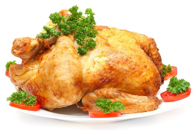 Festa al forno turchia con contorno isolato su bianco
