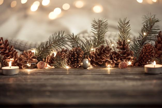 Festa di capodanno con coni e luci.
