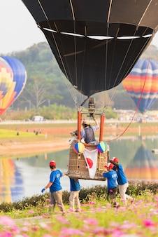 Festa internazionale del pallone nel parco di singha, chiangrai, tailandia