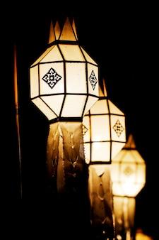 Festival di lanterna galleggiante a chiangmai, thailandia