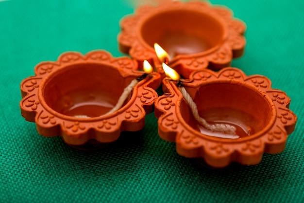 Festival indiano diwali, lampada a olio diwali