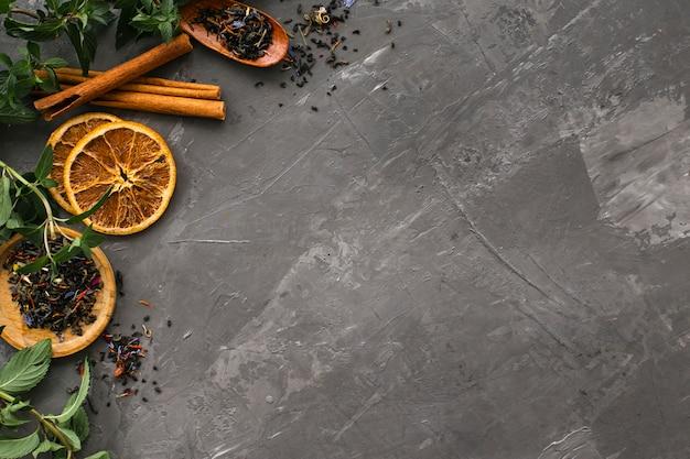 Fette di arancia essiccate con cannella