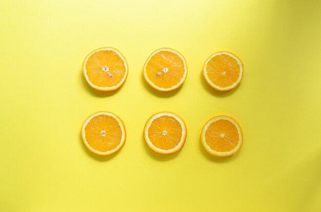 Fette di frutta arancione