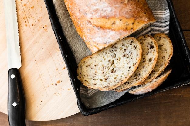 Fette di pane saporite del primo piano