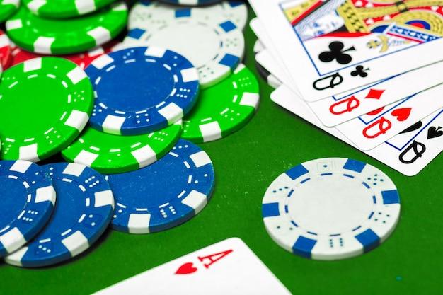 Fiches da poker sul tavolo