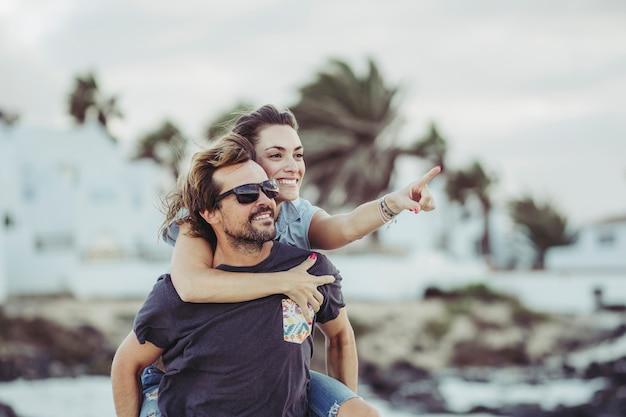 Fidanzati in spiaggia