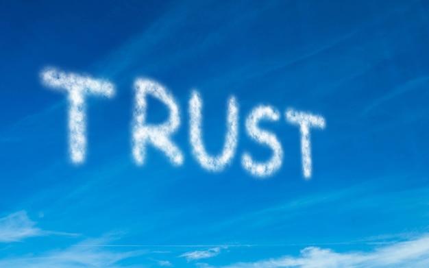 Fiducia scritta in bianco nel cielo