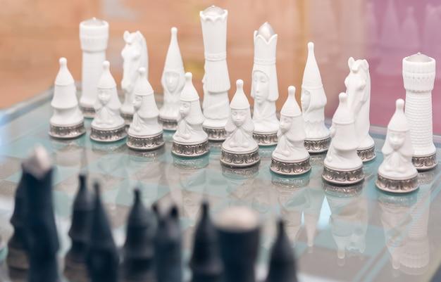 Figura di scacchi, concetto di battaglia - strategia, leadership,
