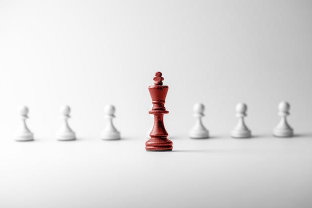 Figura di scacchi gruppo di direzione e successo di strategia di concetto di affari