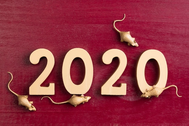 Figurine di ratto d'oro per il nuovo anno cinese